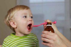 Cho trẻ dùng thuốc khi bị viêm xoang cấp