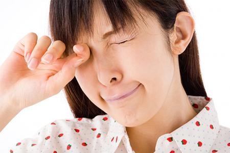Bệnh viêm mũi dị ứng gây ngứa mắt