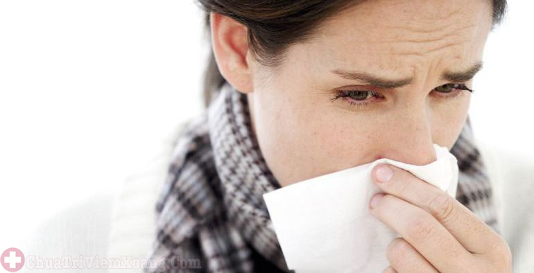 Nghẹt mũi, chảy dịch mũi là triệu chứng viêm đa xoang