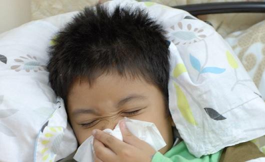 Bé 5 tuổi bị viêm xoang cha mẹ nên làm gì ?