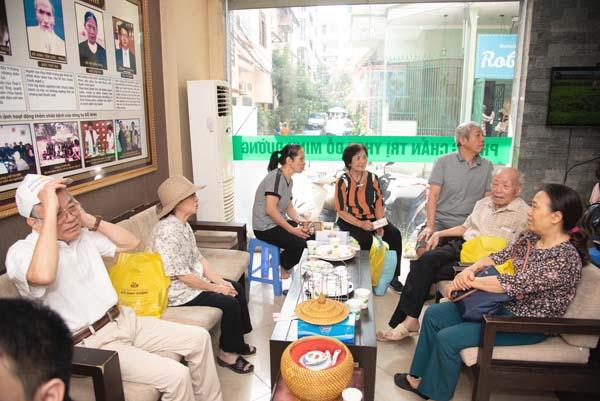Nhà thuốc Đỗ Minh Đường đông bệnh nhân