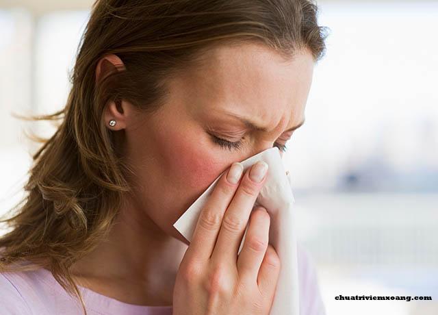 Chữa bệnh viêm xoang bằng nước muối tại nhà