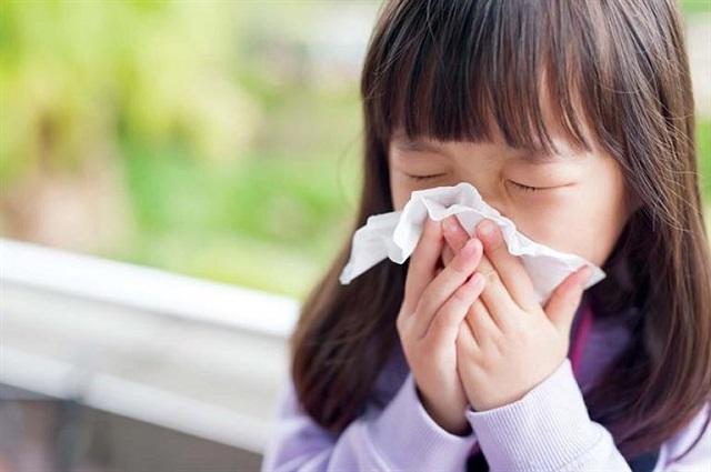 Trẻ em dễ mắc viêm mũi dị ứng do sức đề kháng kém