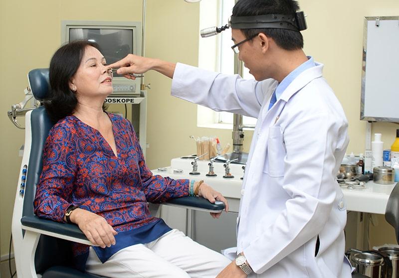 Thăm khám bệnh để được chẩn đoán, điều trị đúng cách
